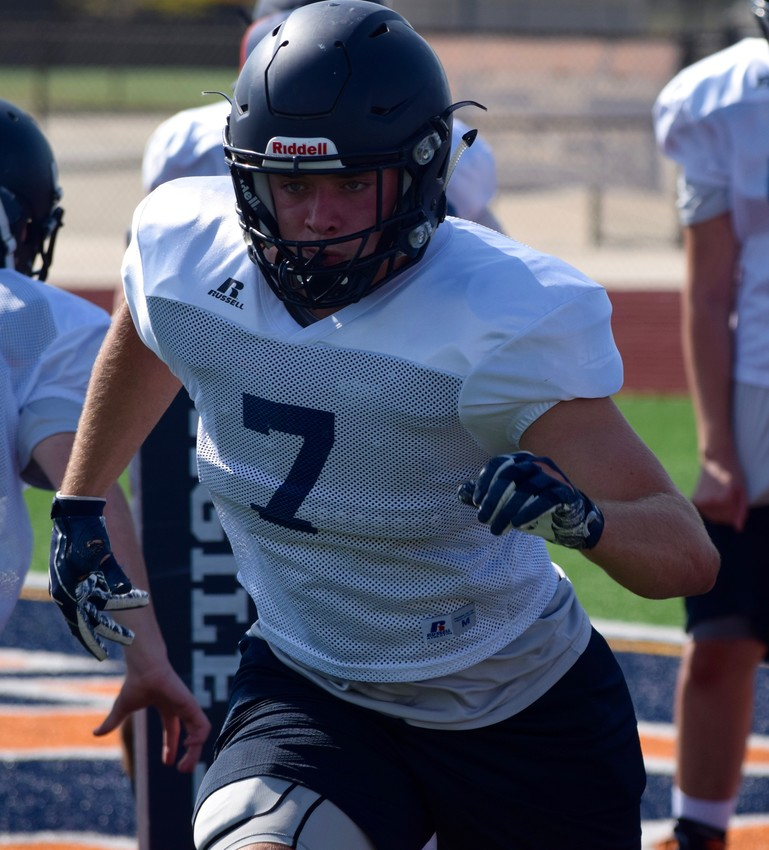 Nate Hatter suffered an injury that ended his junior seasons early last ear. This year, he's returning as a tight end to help the Grizzlies push for the playoffs.