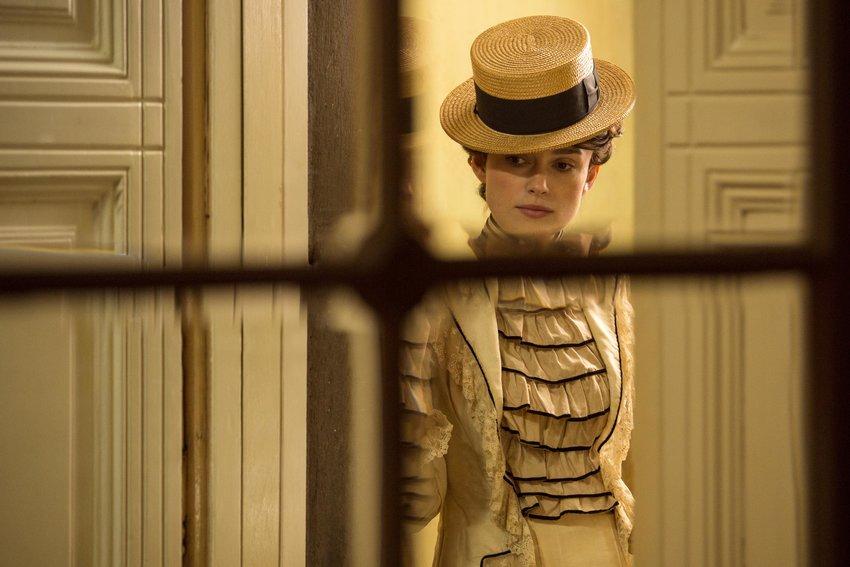 Colette (Keira Knightley) shows some early 20th century Parisian fashion sense.