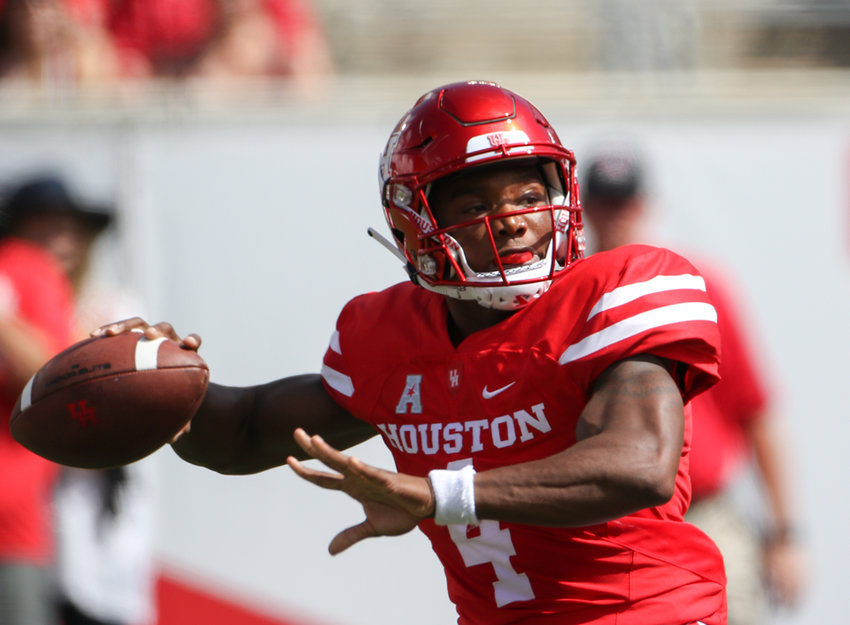 Houston Cougars quarterback D'Eriq King (4) drops back to pass during an NCAA football game between Houston and Arizona on Saturday, Sept 8, 2018 in Houston, Texas.