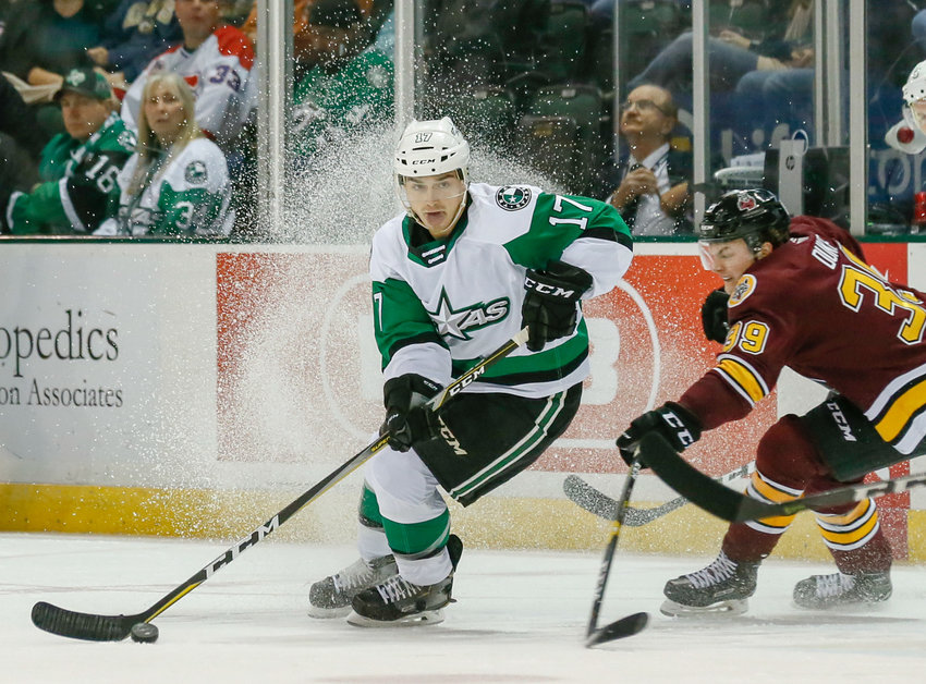 Stars forward Tony Calderone and Texas lost a pair of game to the Chicago Wolves and San Jose Barracuda this weekend.