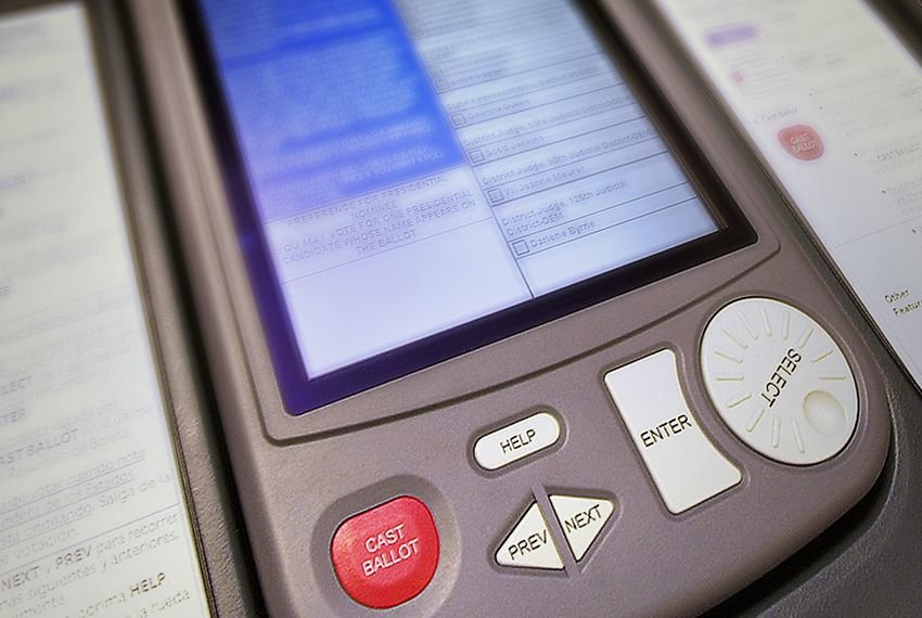 Some voters have reported problems when attempting to vote straight ticket during the first week of early voting. State officials say the problem isn't with the machines themselves, but the way voters are using the machines.