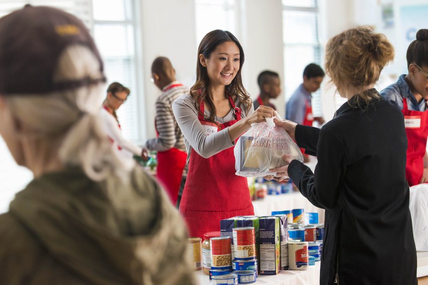 There are a number of opportunities to volunteer around the holiday season, helping make others' holidays a bit brighter.