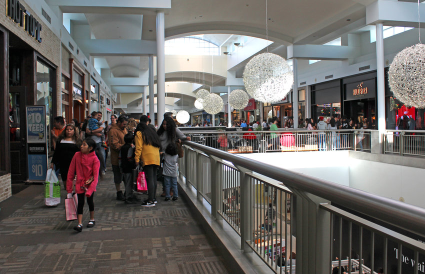 Bargain-minded shoppers took to Lakeline Mall on Black Friday, the traditional start of the Christmas shopping season.