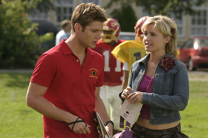 """""""Smallville"""" actress Allison Mack, pictured here with costar Jensen Ackles, may testify against the alleged leader of an Albany, N.Y.-based sex cult. Mack has already pleaded guilty to racketeering conspiracy and racketeering relating to her alleged role in a sex trafficking case."""