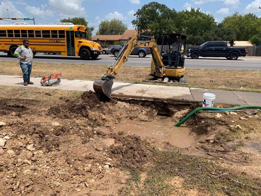 Leander ISD released students from Leander High School early due to an ongoing water service outage resulting from large water main break on Bagdad Road near Osage Drive in Leander.