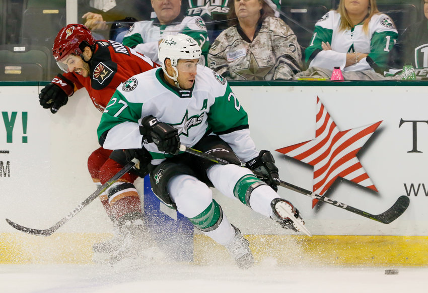 Michael Mersch and the Texas Stars opened the regular season with a loss to the Tucson Roadrunners on Friday and the Manitoba Moose on Saturday night.