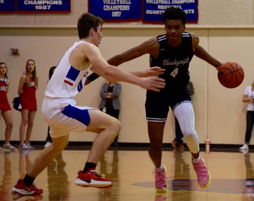 Greg Brown scored 30 points and Vandegrift beat Leander 61-42 to push the Vipers winning streak to 18 games.