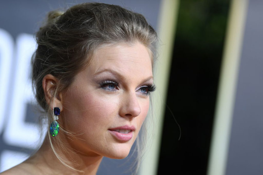 US singer and actress Taylor Swift arrives for the 77th annual Golden Globe Awards on January 5, 2020, at The Beverly Hilton hotel in Beverly Hills, California. (Photo by VALERIE MACON/AFP via Getty Images/TNS)