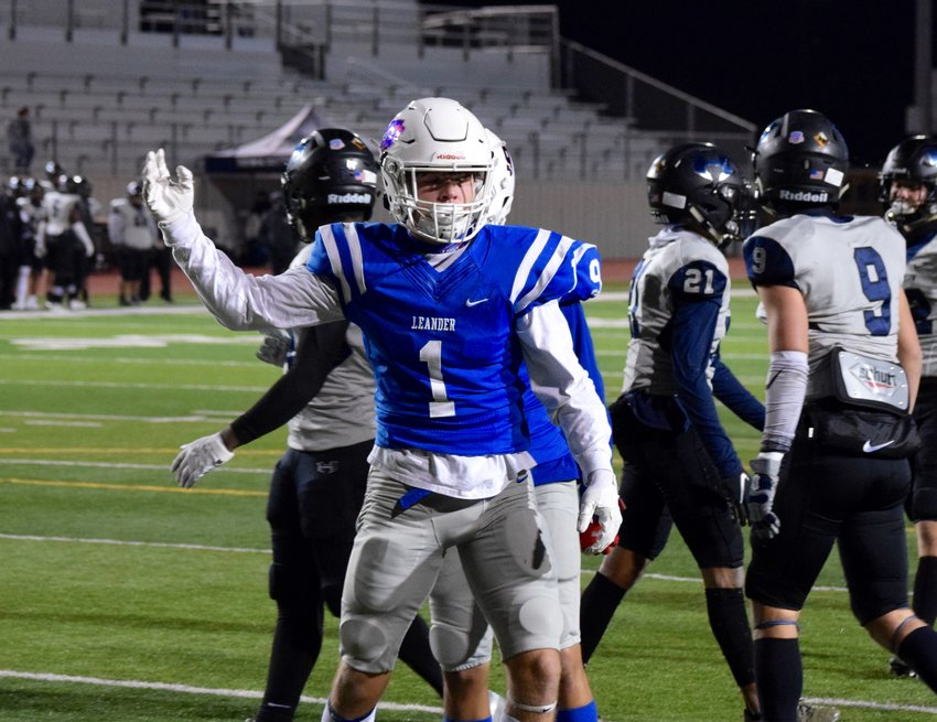 Aiden Perrott caught a touchdown and threw a touchdown in Leander's loss to Hendrickson on Thursday night.