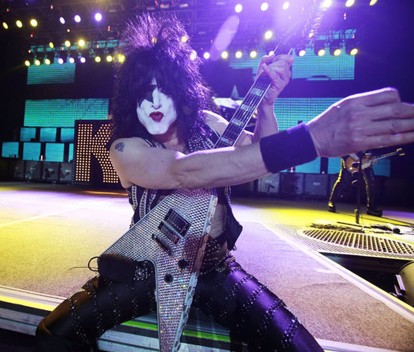 Paul Stanley with Kiss at the Minnesota State Fair grandstand in 2010. (David Joles/Minneapolis Star Tribune/TNS)