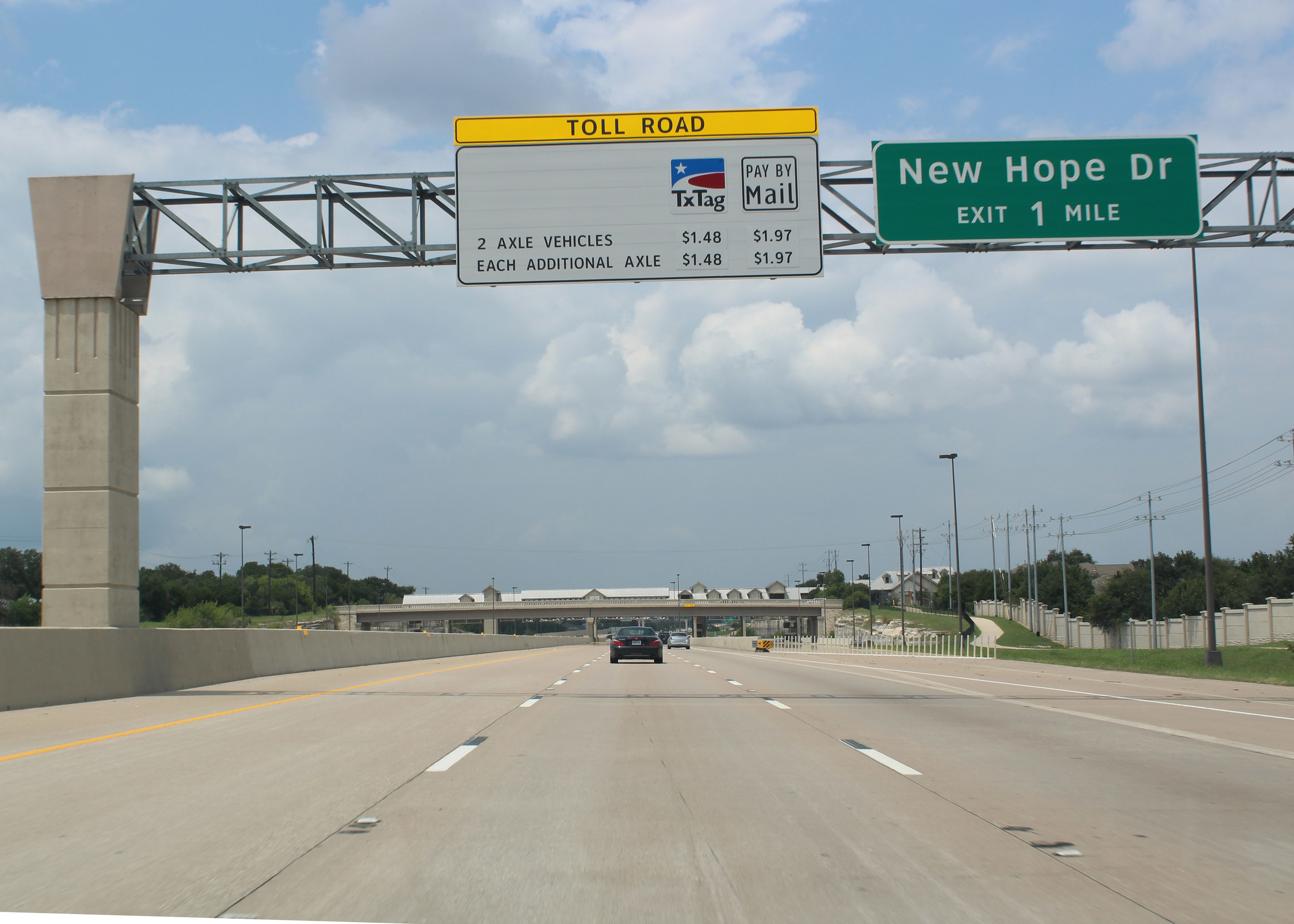 A proposed Texas House bill calls for halting several CTRMA projects for 183 North until free public access roads are constructed alongside 183A, one of the most expensive toll roads in the area.