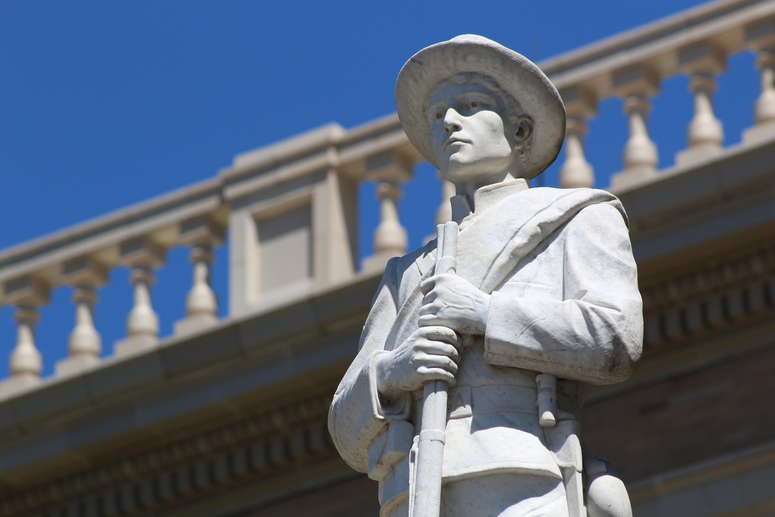 While Confederate statues are being removed and taken down throughout the United States, a petition calling for a plaque with historical context to be added to a Confederate soldier monument is being circulated in Williamson County.