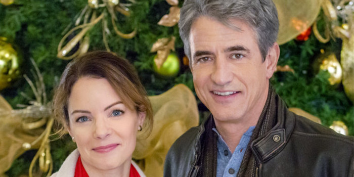 Disillusioned, globetrotting journalist Tom Langdon (Dermot Mulroney) must get from Washington, D.C. to Los Angeles in time for Christmas.