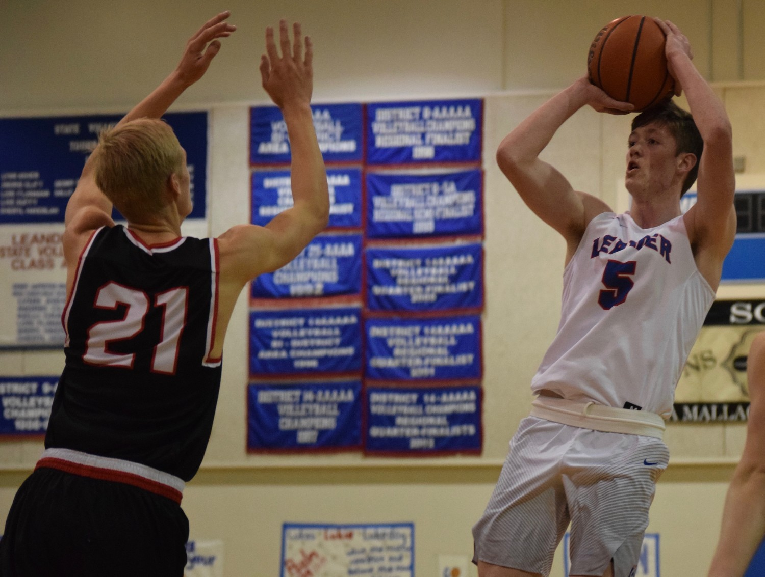 Hunter Stevens scored 15 points but Leander lost to Lake Travis 49-45 at home Friday night.