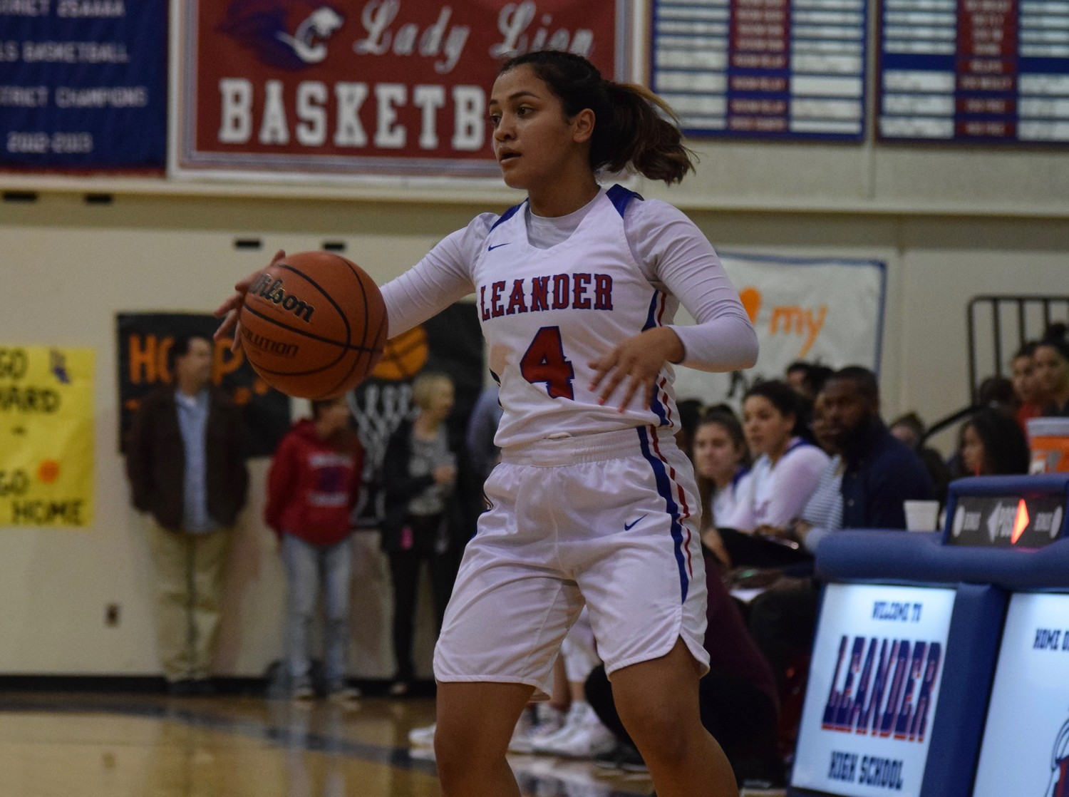 Alice Pineda and Leander lost to Lake Travis 40-26 on Tuesday night.