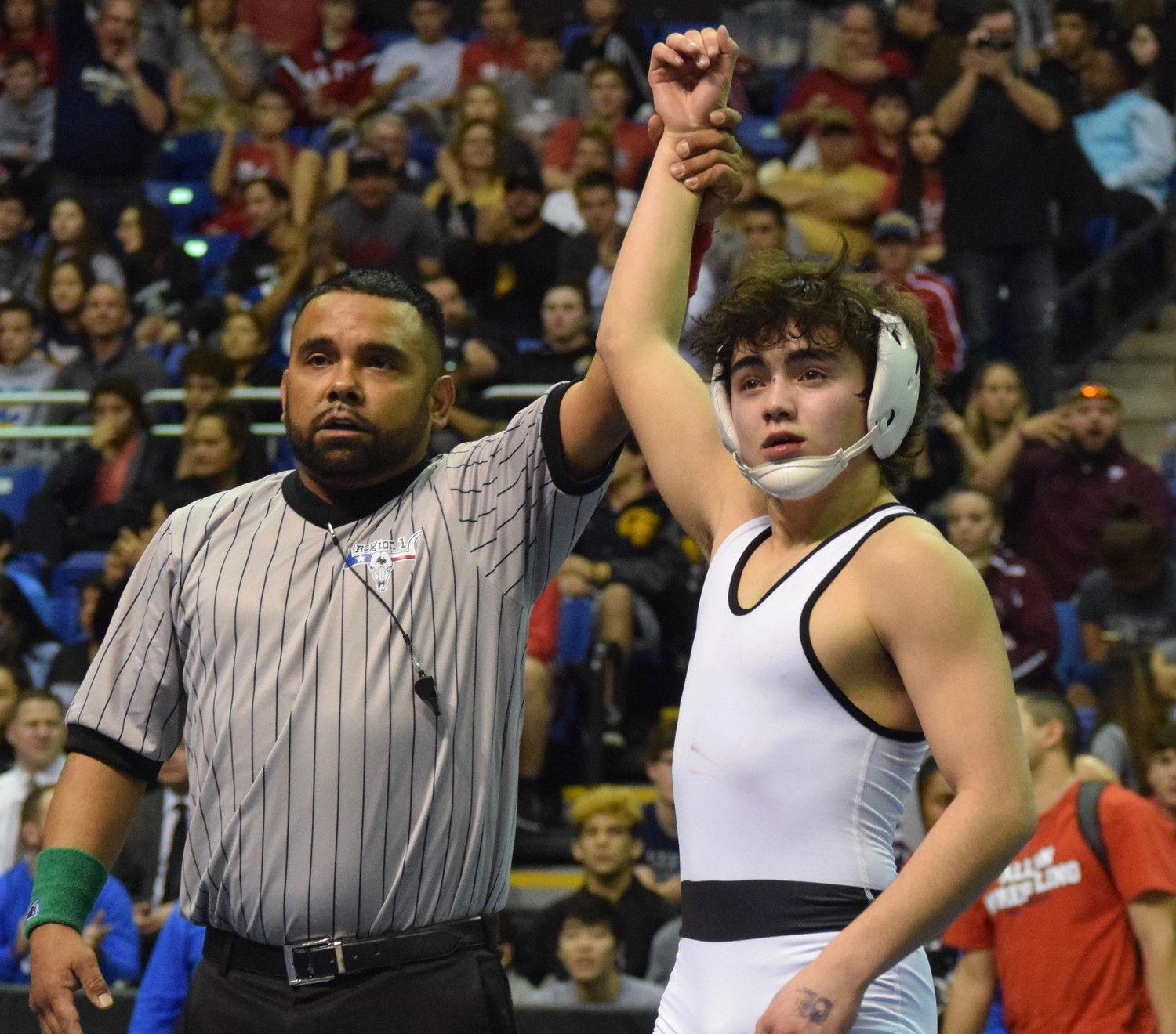 Vandegrift freshman Noah Gochberg beat Allen junior Gabe Martinez 7-6 in the 113-pound state championship match on Saturday afternoon.