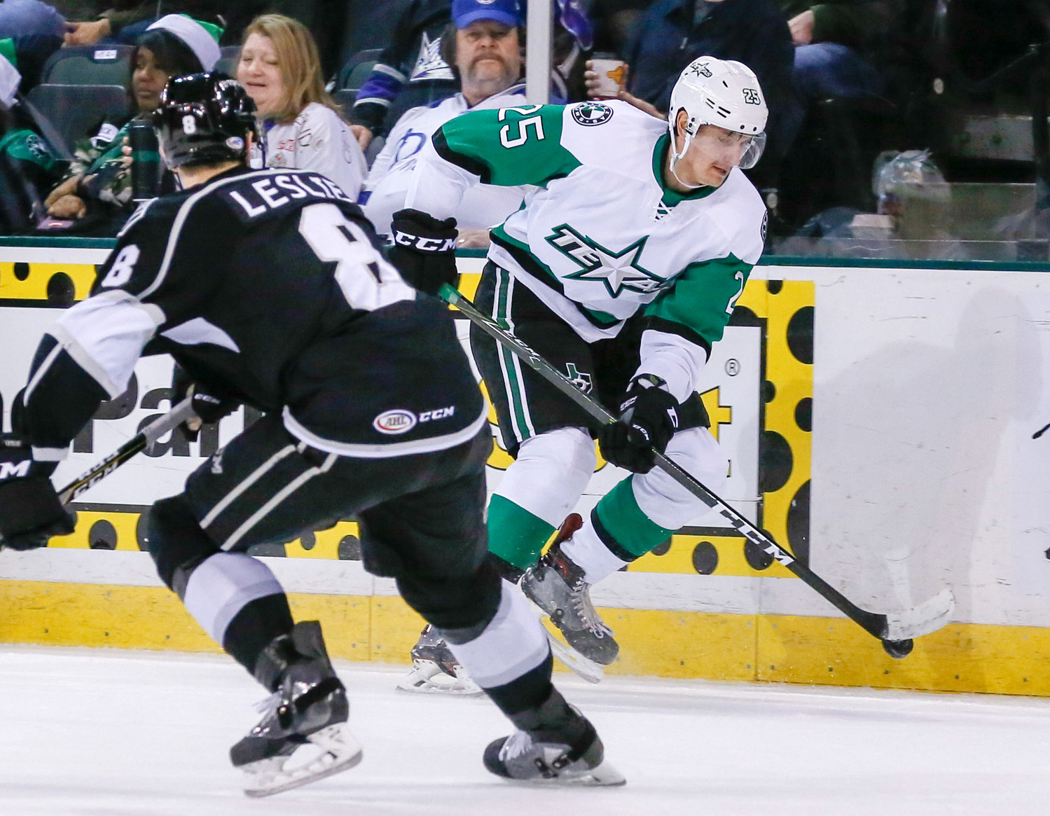 Denis Gurianov scored for Texas to tie the game in the third period, but the Texas Stars fell to the Chicago Wolves on the road Tuesday afternoon.