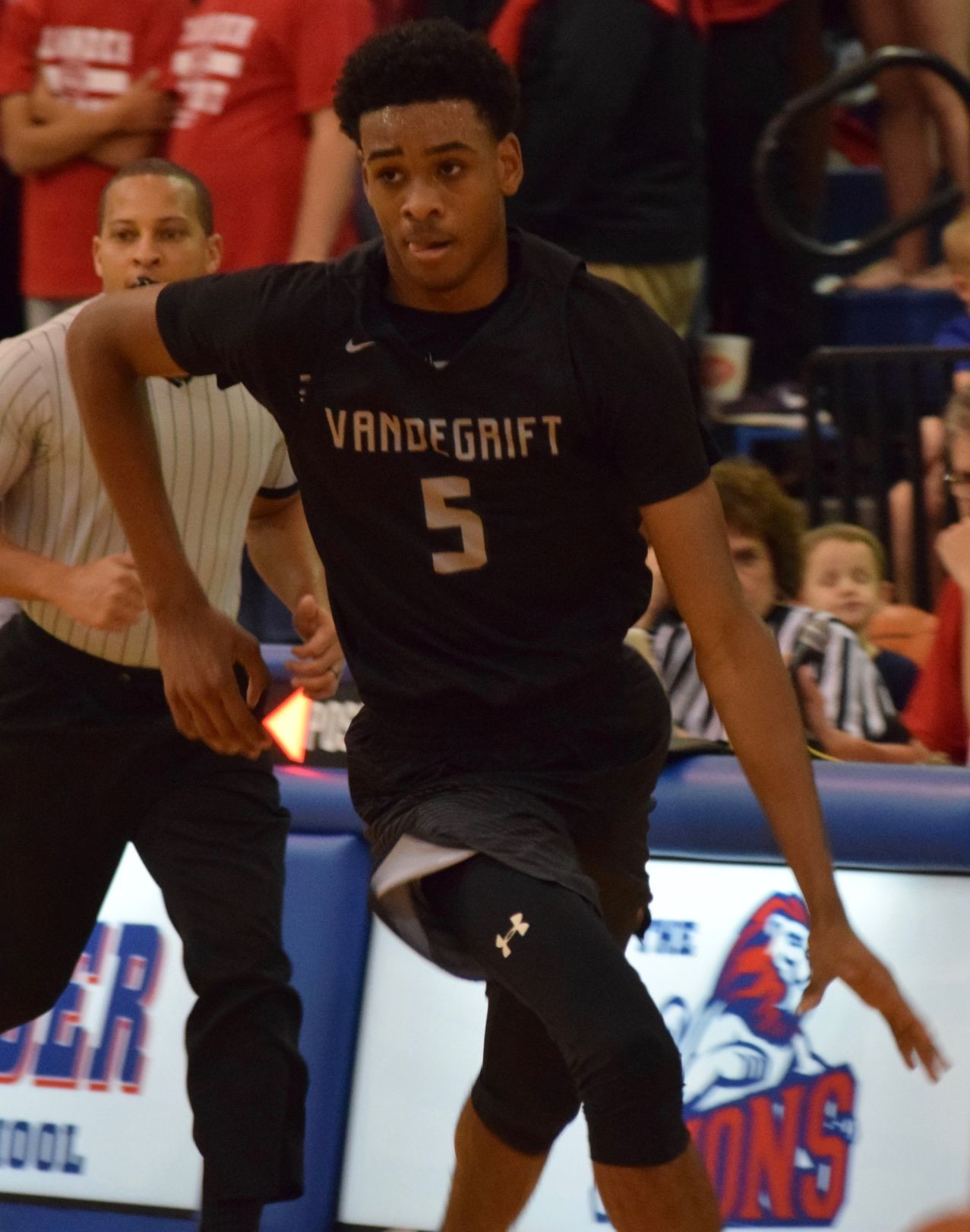 Greg Brown III scored 19 points and Vandegrift kept its playoff hopes alive with a 41-37 win at Leander on Tuesday night.