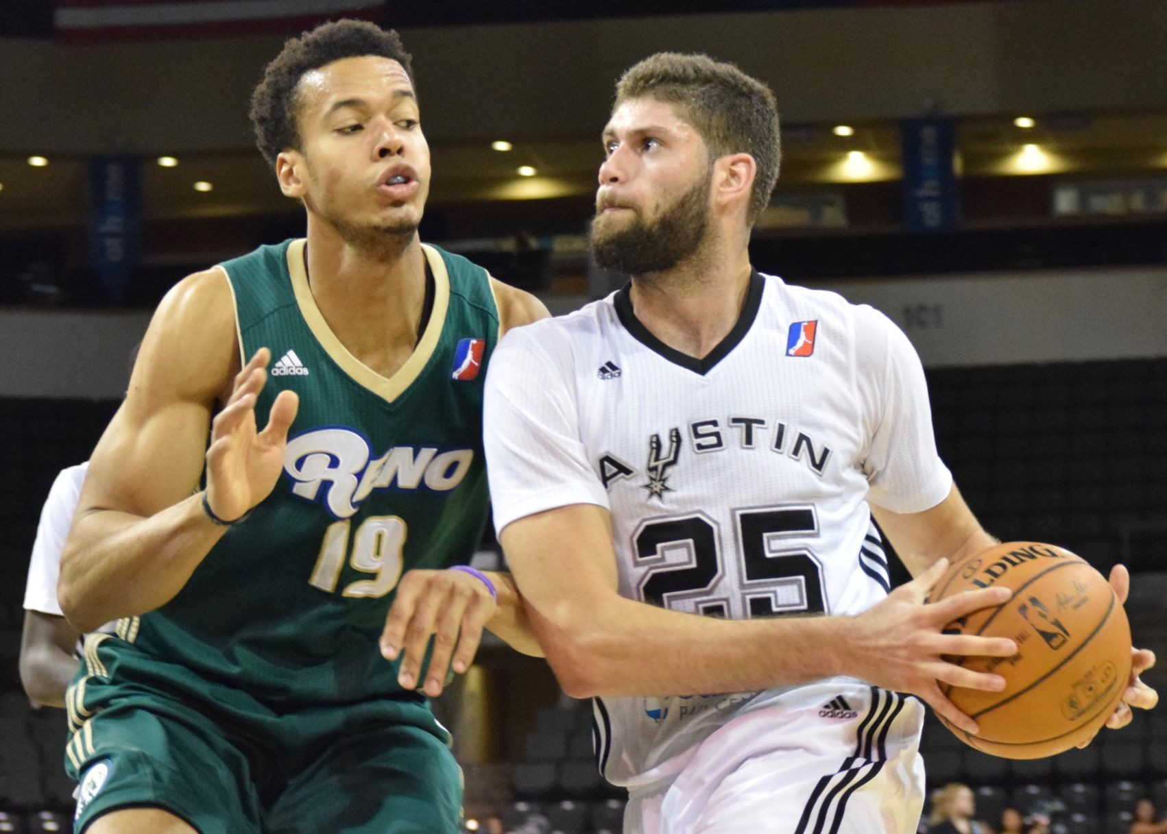 Patricio Garino scored 25 points, grabbed eight rebounds and had five assists, leading the Austin Spurs to a 106-97 win against the Reno Bighorns Thursday night.