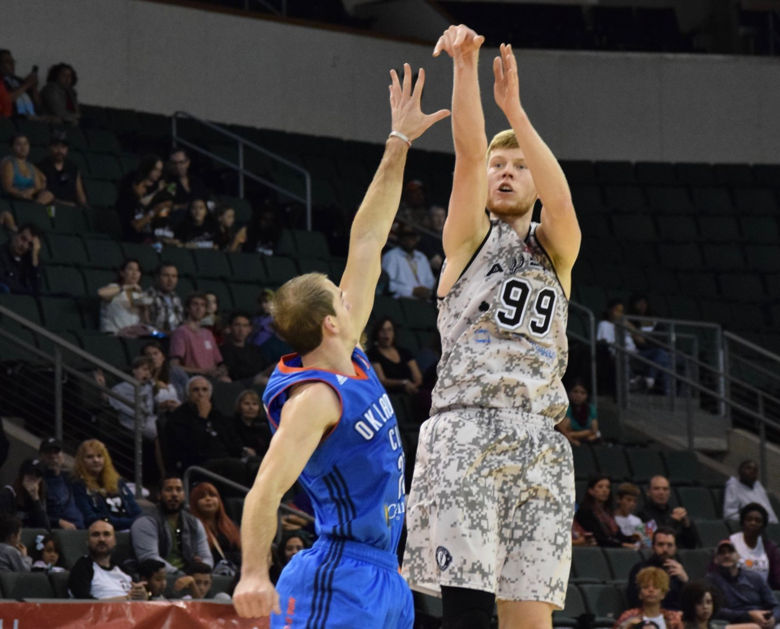 Davis Bertrans scored 22 points on six 3-pointers with to lead the Austin Spurs in their 118-95 loss to the Oklahoma City Blue Saturday night.