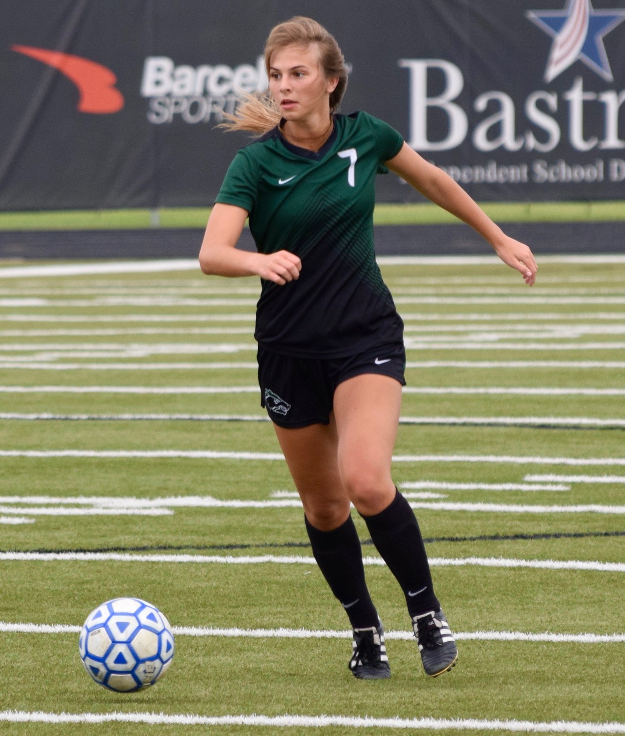 Jewell Resseguie scored a goal and Cedar Park beat Tomball Memorial 1-0 in Bastrop on Friday to advance to the regional semifinals.