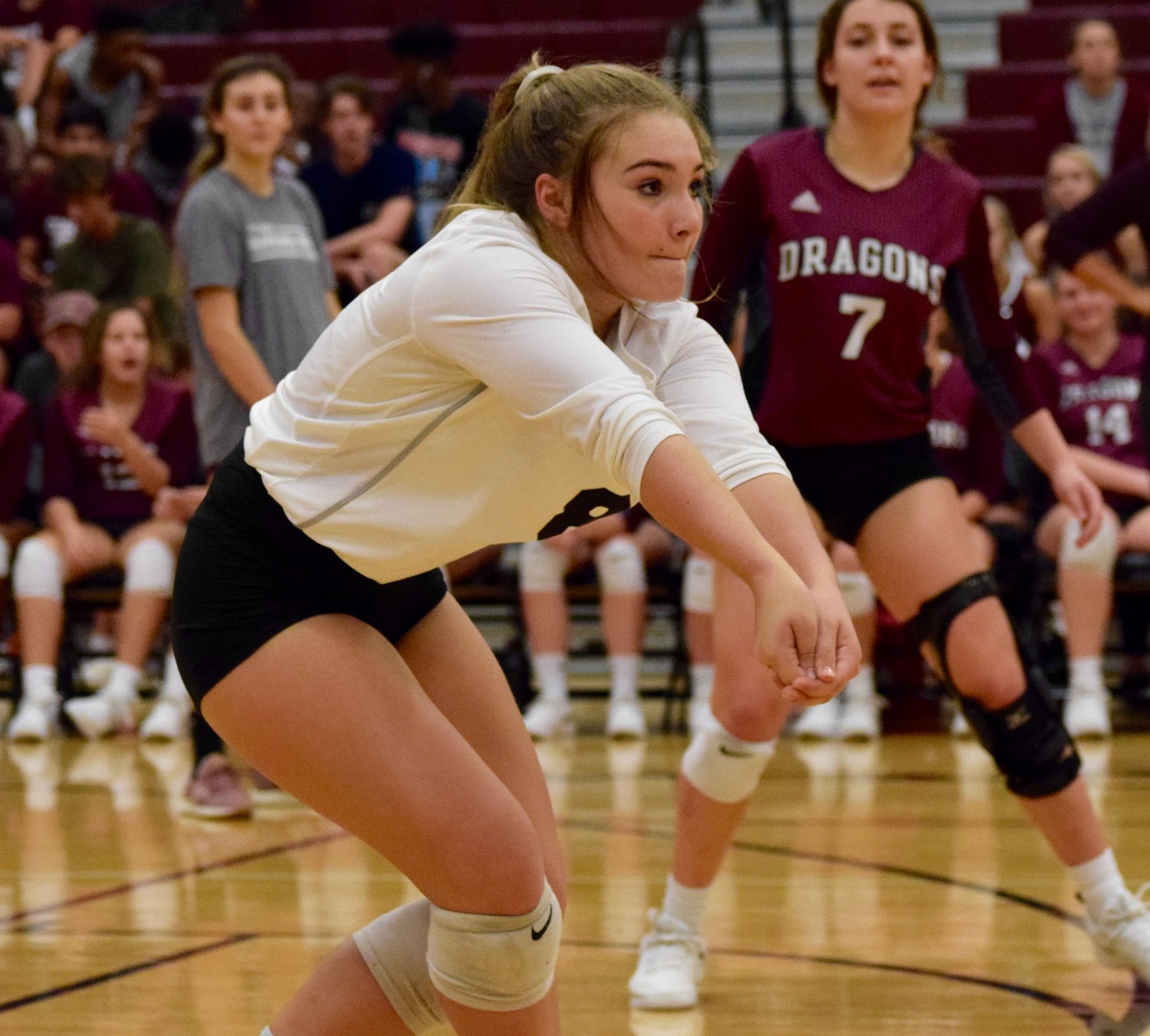 Joley Plummer and Round Rock swept Cedar Ridge 3-0 (25-18, 25-22, 25-23) at home Tuesday night.