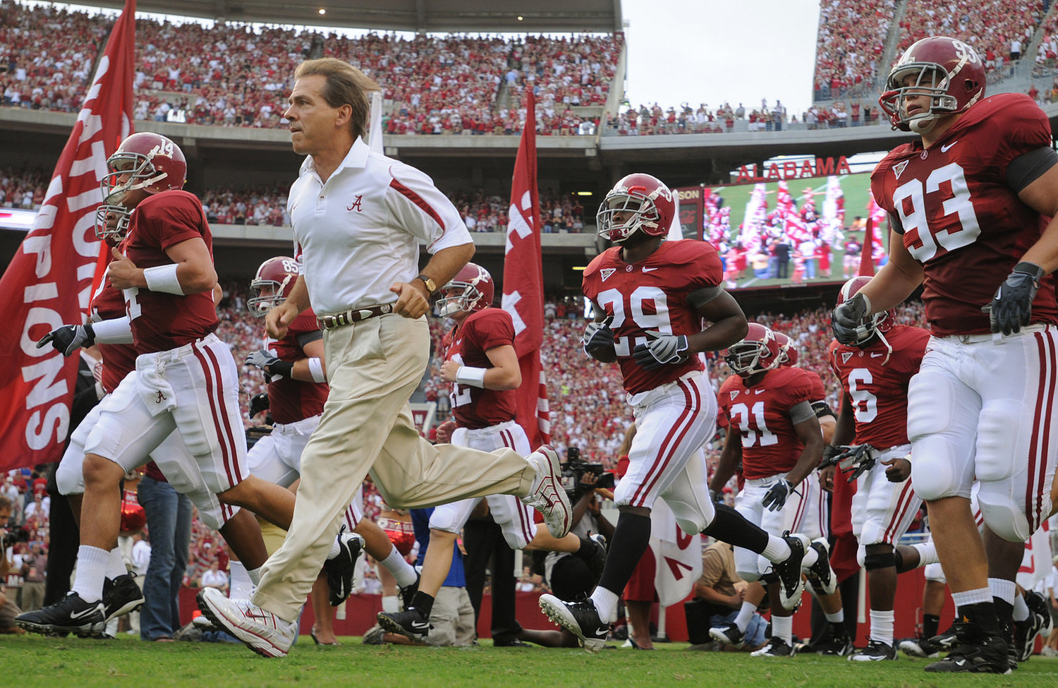 Nick Saban and the Crimson Tide are an odds-on favorite to return to the College Football Playoff this season.