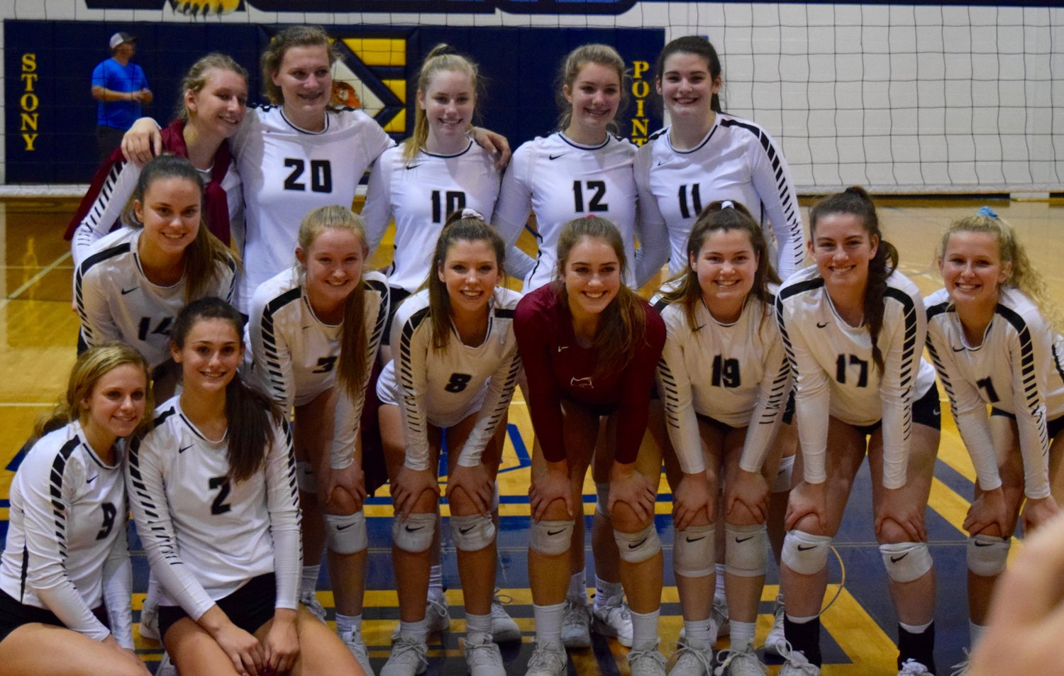 Rouse swept Bastrop 3-0 (25-16, 25-14, 25-23) on Tuesday night to advance to the area round of the playoffs for the third year in a row.