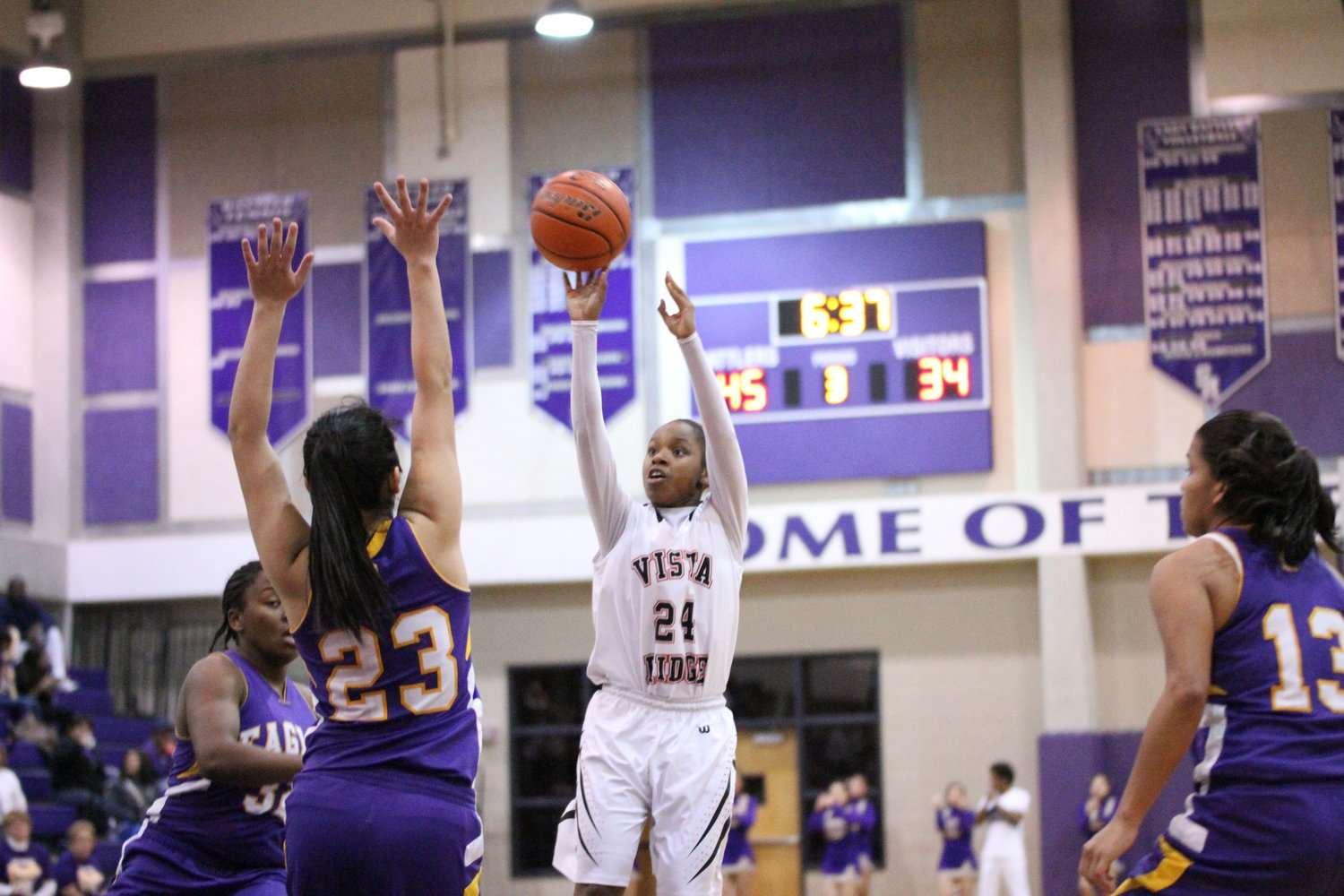 Japreece Dean was a two-time district MVP, a trip to the state semifinals in 2015, a McDonald's All-America nomination while averaging 17 points and 7.1 assists in her high school career at Vista Ridge.