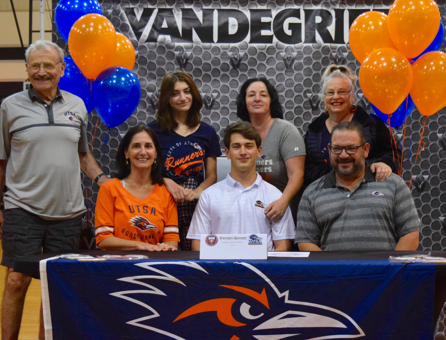 Brendan Bennett signed on to play football at UTSA at a signing day celebration Friday morning at Vandegrift High School.