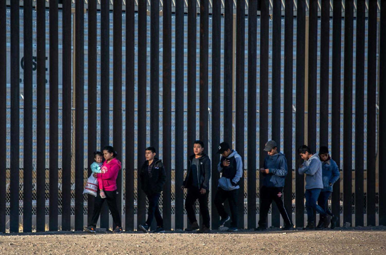 Law Used to Prosecute Migrants in U.S. Struck Down as Racist