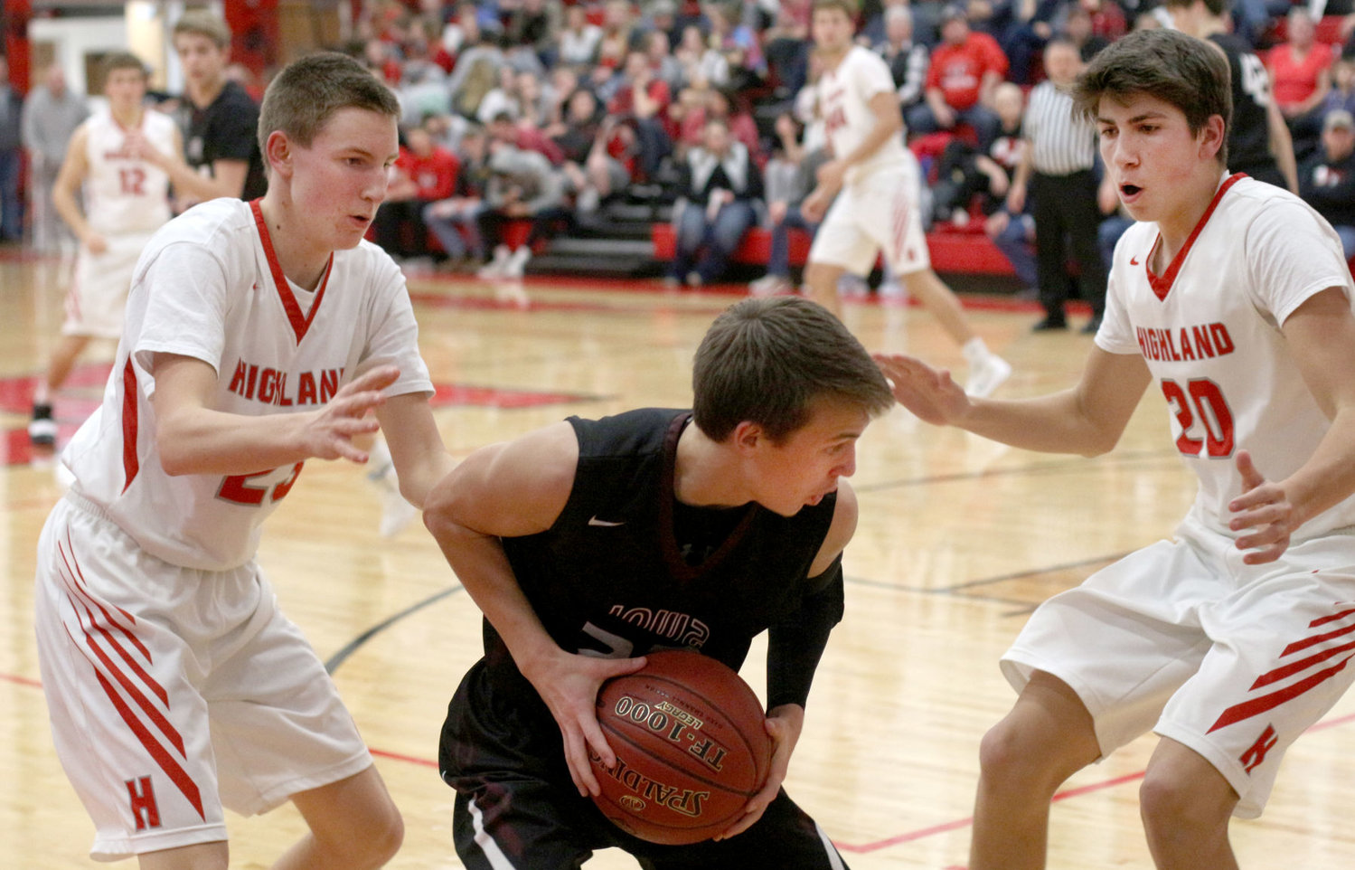 Iowa Mennonite Holds Off Highland After Trailing In First Half The News