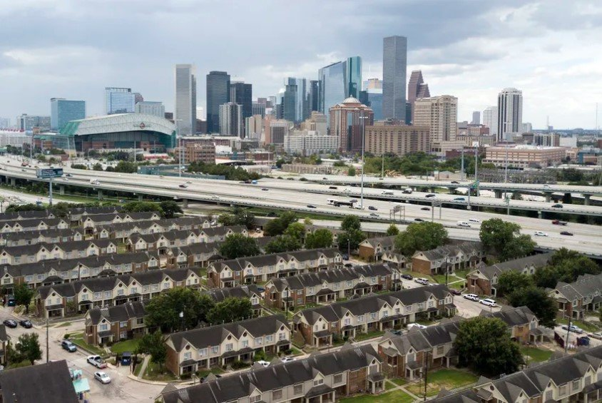 A sharp rise in unemployment in Texas has renters and landlords worried during the COVID-19 pandemic.