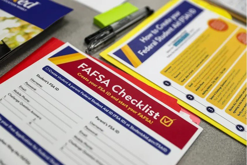 Texas higher education officials say fewer Texas high school seniors have completed federal financial aid forms than the same time last year. National data shows just 24% of Texas high school seniors have filled out federal financial aid forms, a nearly 15% decline from the same time last year.