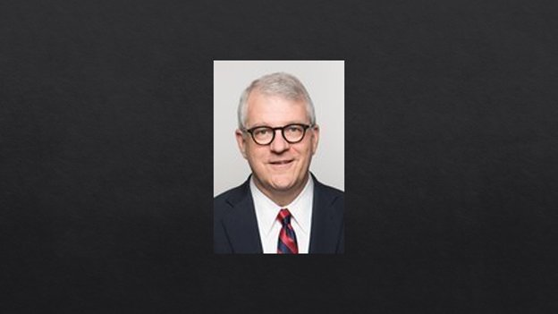 罗斯·拉姆齐(Ross Ramsey)是《德克萨斯论坛报》(The Texas Tribune)的执行编辑和联合创始人。《德克萨斯论坛报》是一个由成员支持、以数字为优先的无党派媒体组织,专注于向德克萨斯人提供信息。