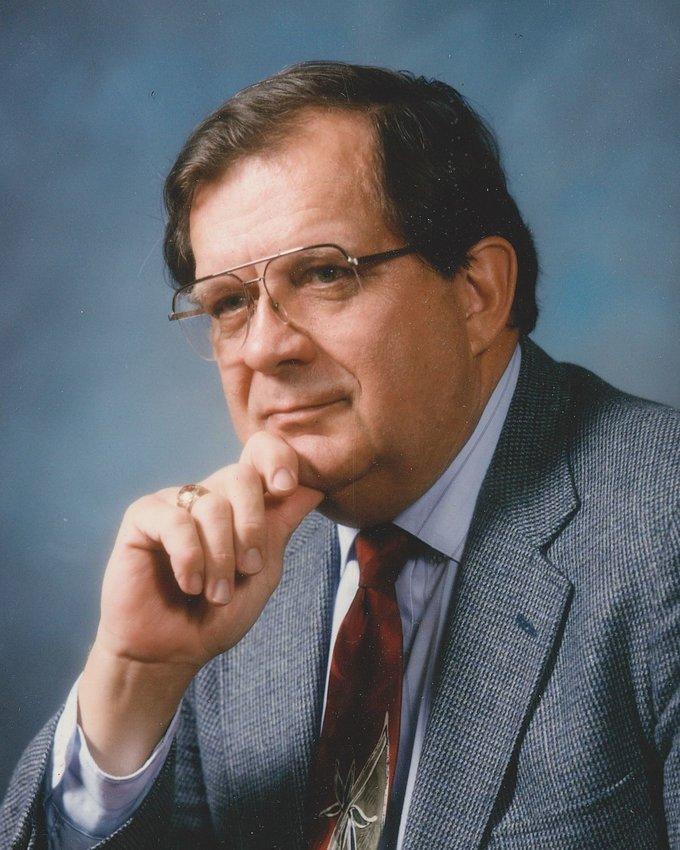 小约瑟夫·w·黑格(Joseph W. Hegar, Jr.)是凯蒂的长期居民,曾担任该市的市律师和法官。他是一位慈爱的丈夫、父亲、祖父和曾祖父,他爱他的家庭和他的社区。