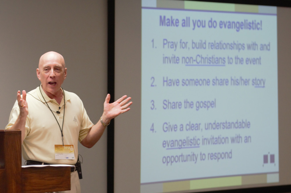 Evangelist Don McCutcheon leads a conference at the Warren Association of Baptists in Bowling Green on Tuesday. (Kentucky Today/Roger Alford)