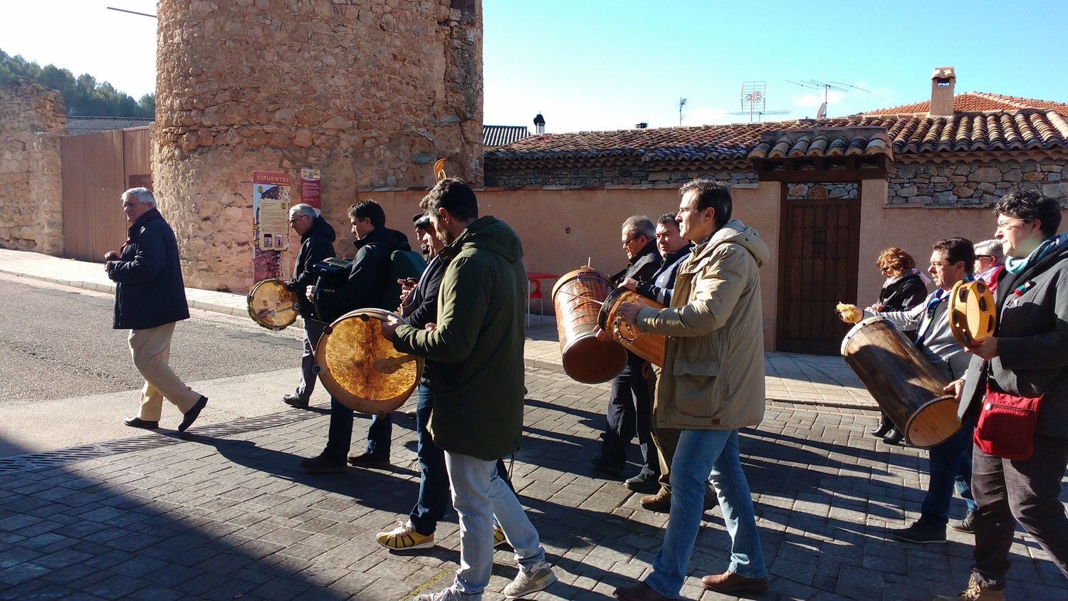 Walking the streets of Spain, providing Christmas cheer, the Ronda Group is now bringing a taste of Castilian music to Tularosa.