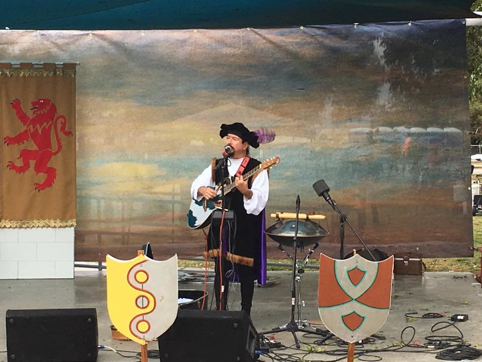 Las Cruces musician Randy Granger performing at Renaissance ArtsFaire