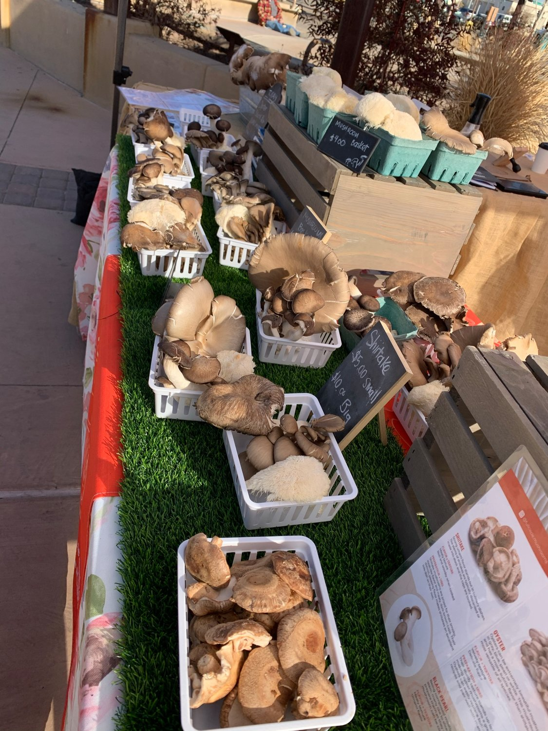 Farmers and Crafts markets happen every weekend in Las Cruces, Alamogordo and Silver City.