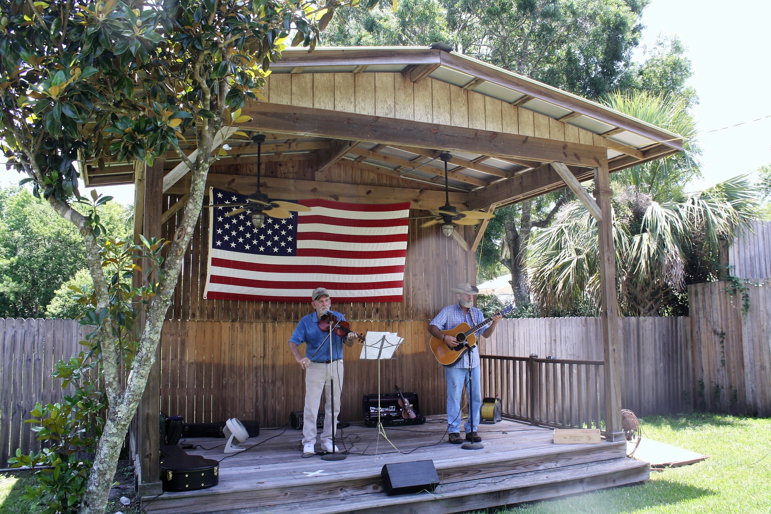 Musicians entertain guests at Palm Valley Fest