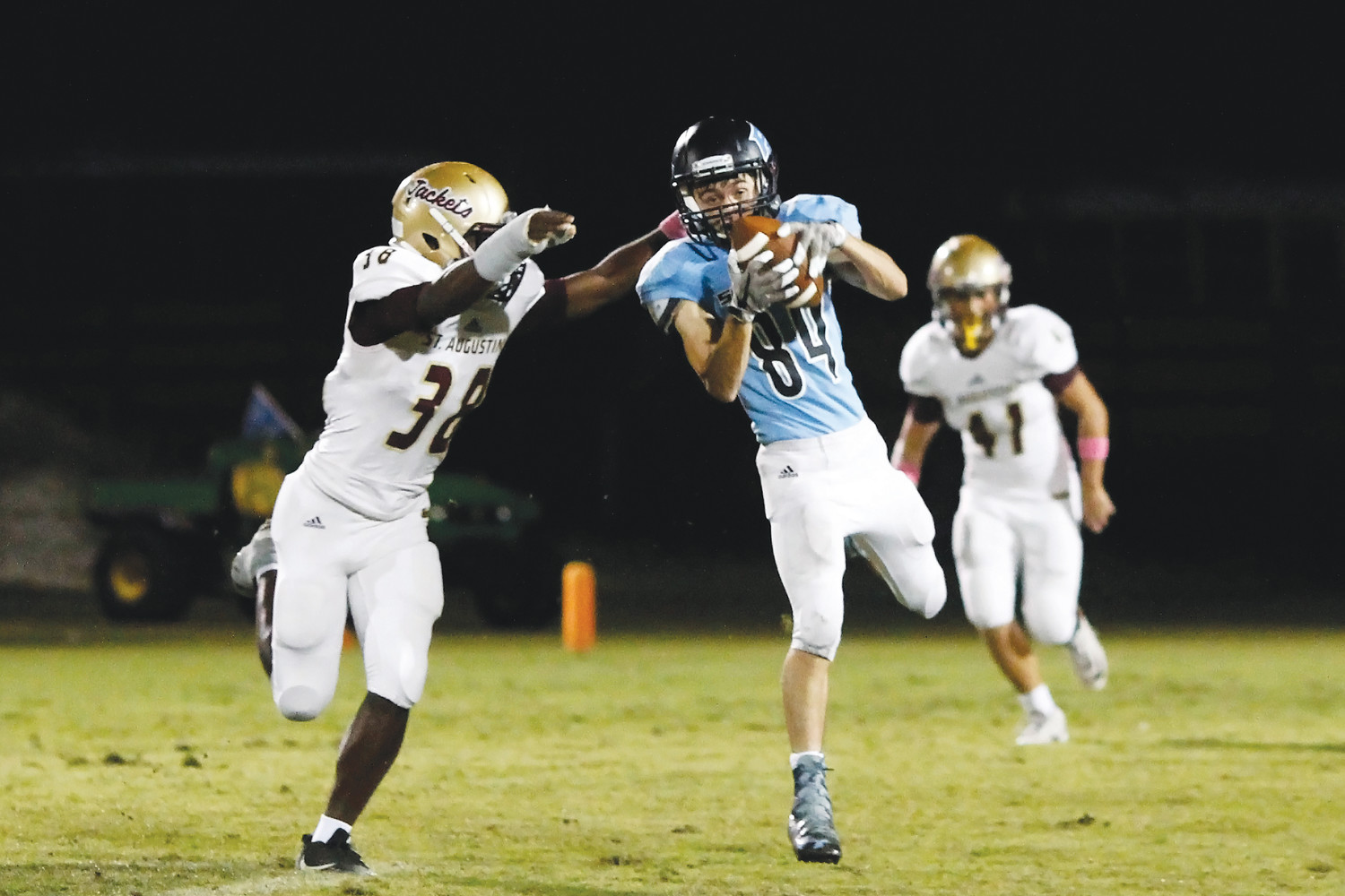 Cade D'Errico makes the catch for a Ponte Vedra first down.