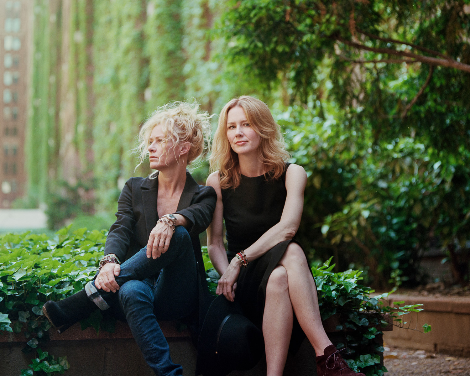 Sisters Shelby Lynne and Allison Moorer will perform Nov. 5 at the Ponte Vedra Concert Hall.