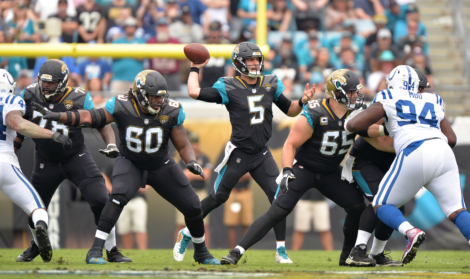 Jaguars quarterback Blake Bortles, who finished 26 of 35 for 309 yards and two touchdowns, eyes a receiver downfield.