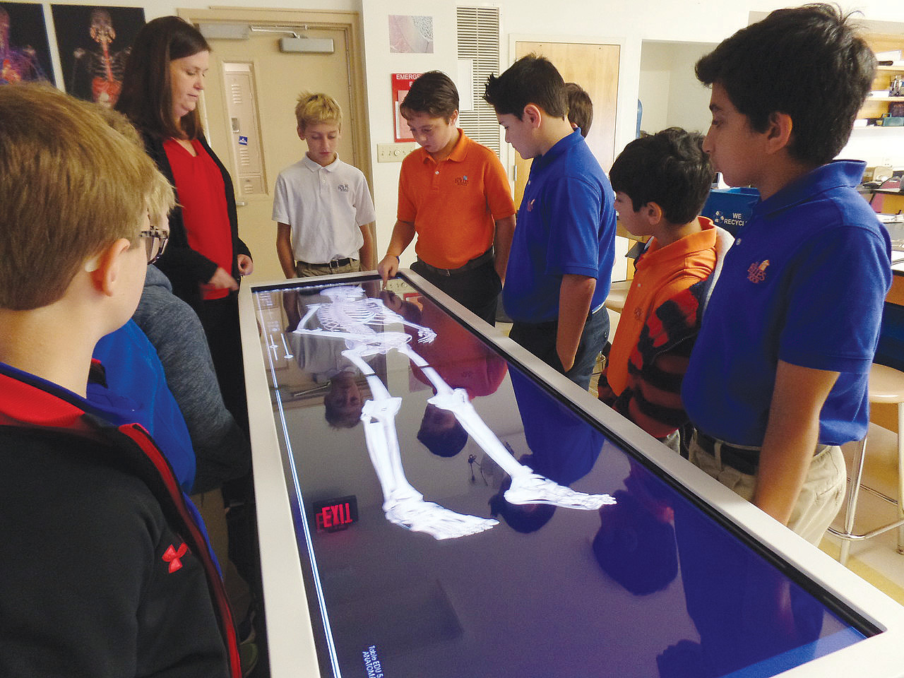 First Bolles Lower School students utilize Anatomage table | The ...