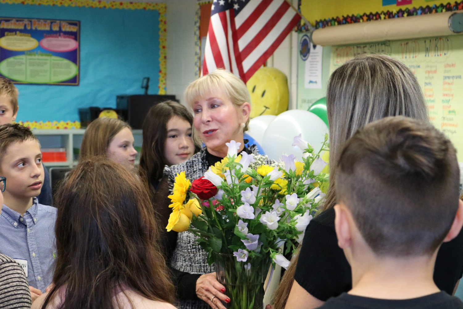 PVPV-Rawlings Elementary School students show their appreciation to First Lady Ann Scott by giving her a bouquet of flowers.