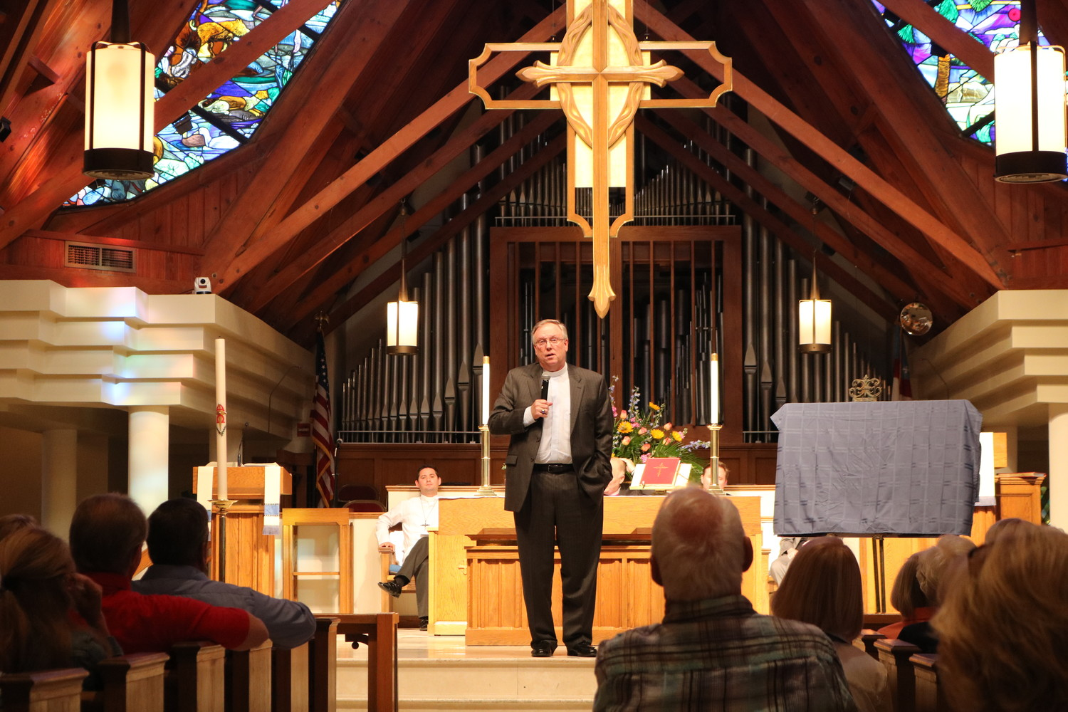 Rev. Richard Westbury, Jr. delivers a speech at his retirement ceremony at Christ Church on April 6.