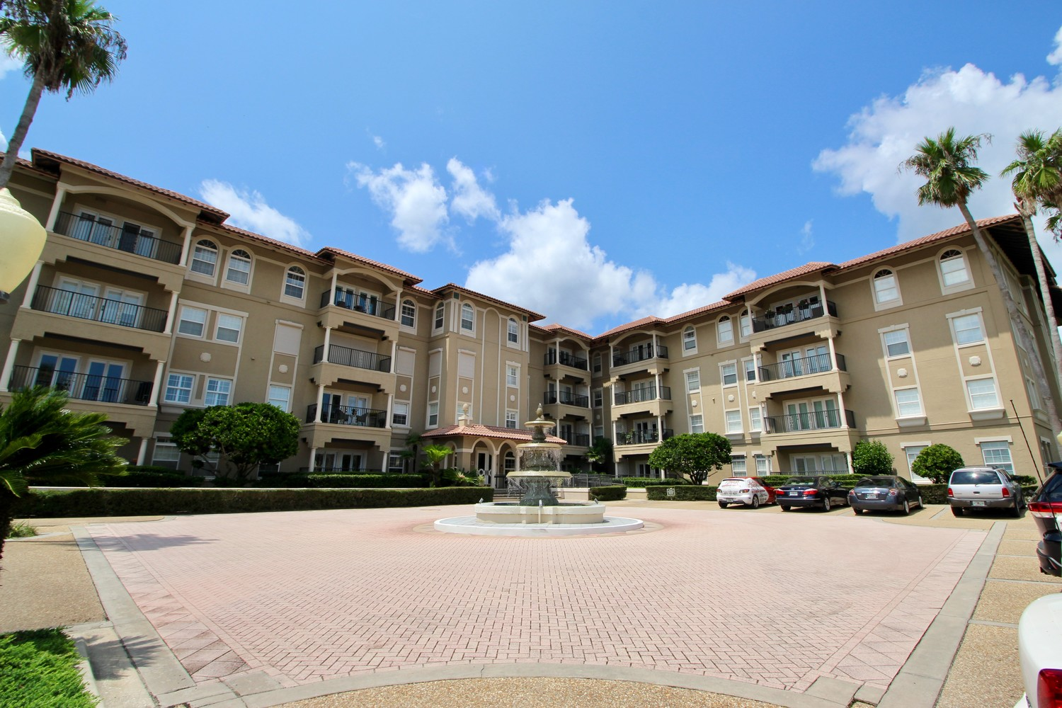 The Carlyle Condos are home to 47 units in the center of one of the most prestigious areas of Ponte Vedra Beach.
