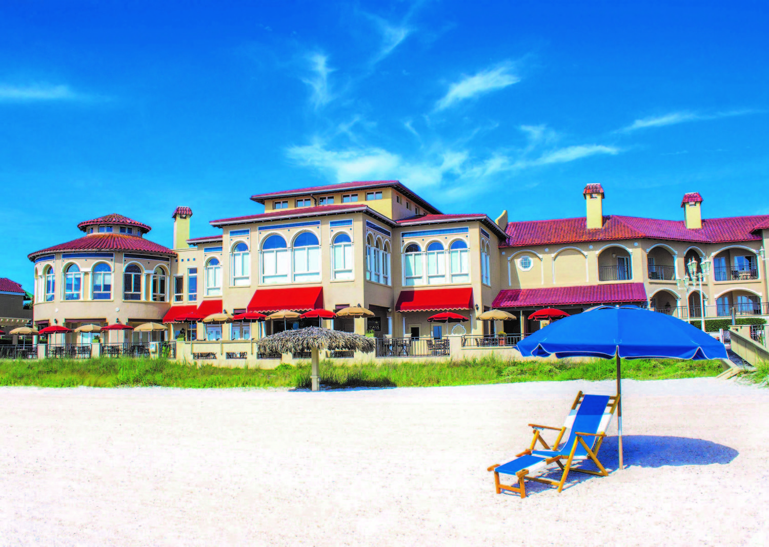 The Carlyle is located adjacent to the Lodge & Club, a AAA Four-Diamond boutique hotel in Ponte Vedra Beach.