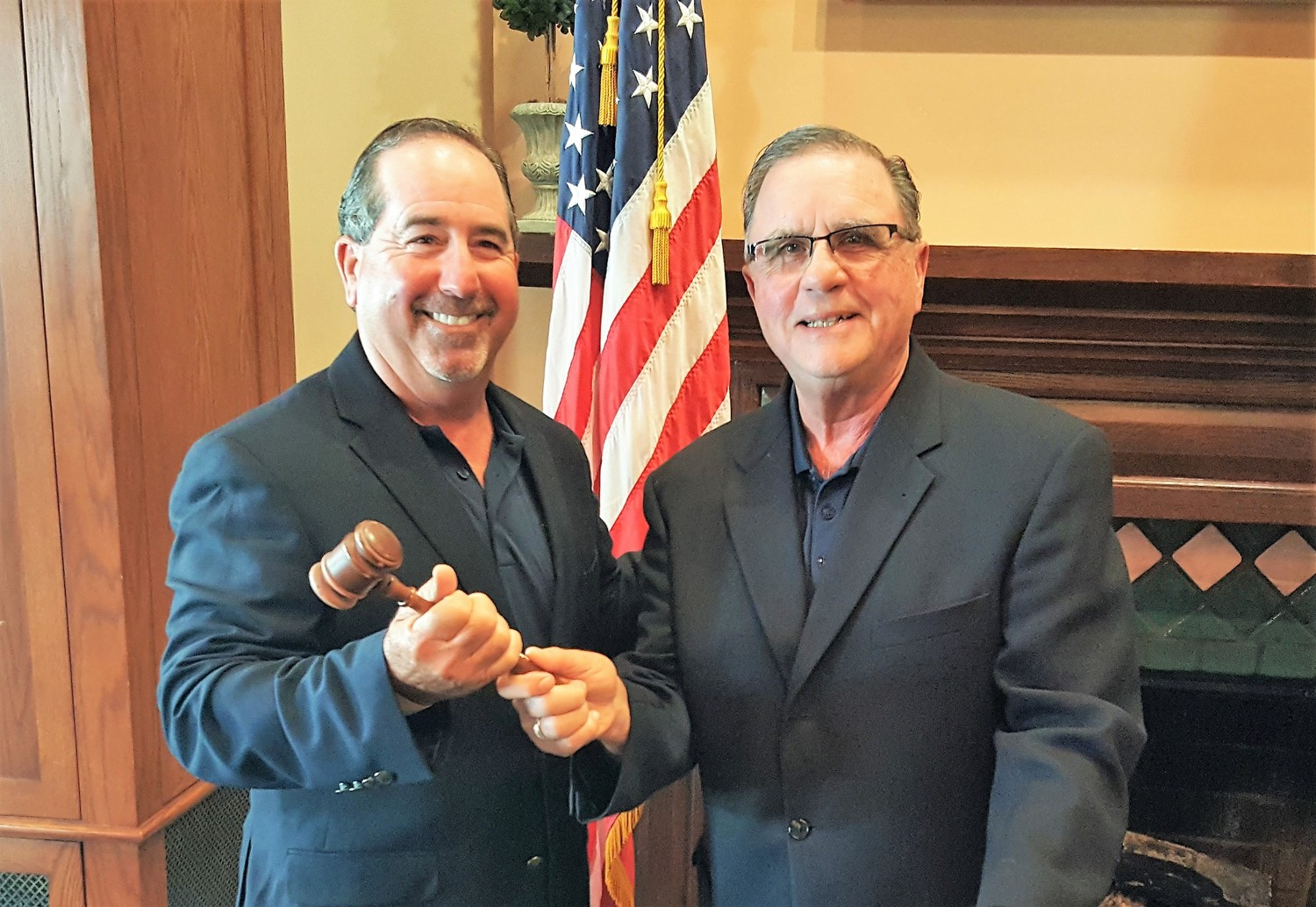 Randy Nader and past President Gilmore with the gavel.